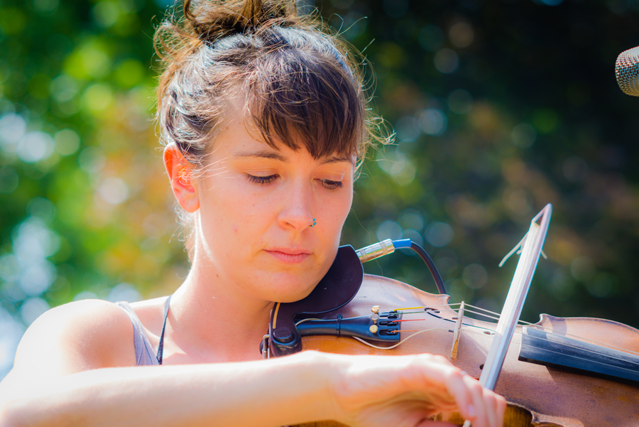 Violinist Warms Up for Samantha Fish